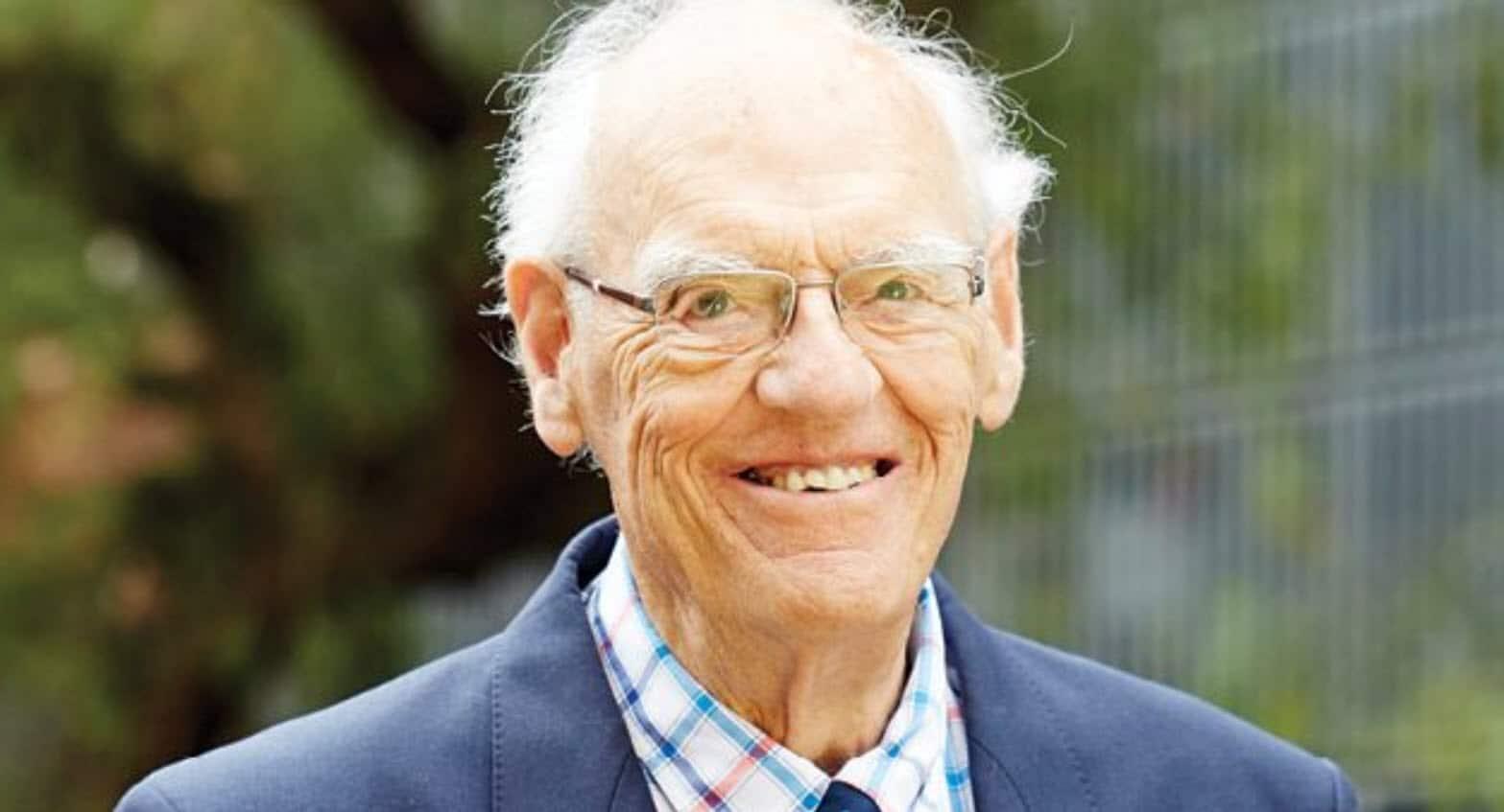 Dr David Shearman AM FRACP