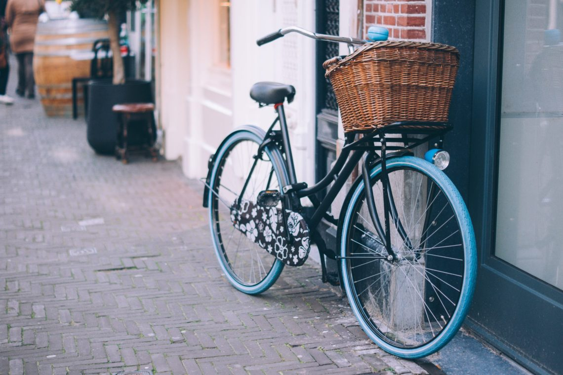 Workplaces could install bike racks to encourage active transport as a climate change intervention, while generating health co-benefits.Photo by Pixabay.
