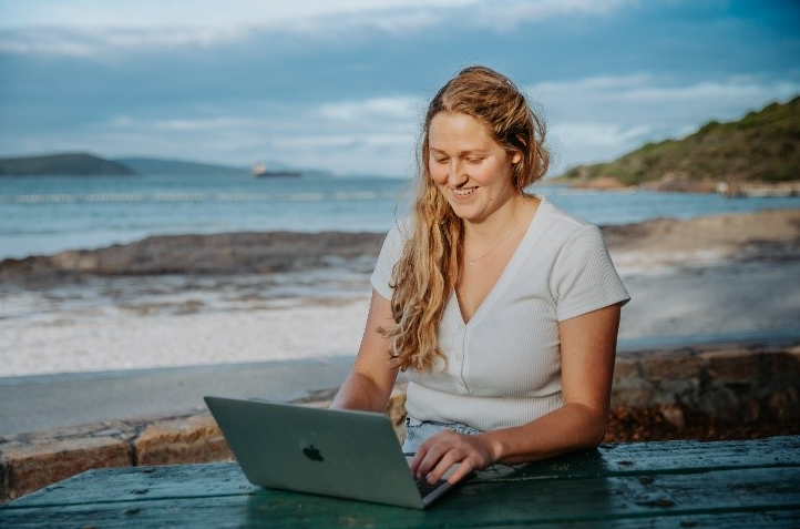 With an Albany backdrop, Dr Phoebe Thornton featured in an RANZCP promotion for more trainee psychiatrists to work in rural and regional areas